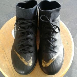 NWT Nike Superfly X 6 Academy IC Soccer shoes